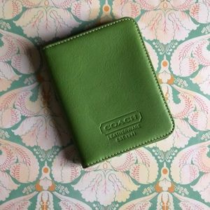Coach photo/license/credit card holder green